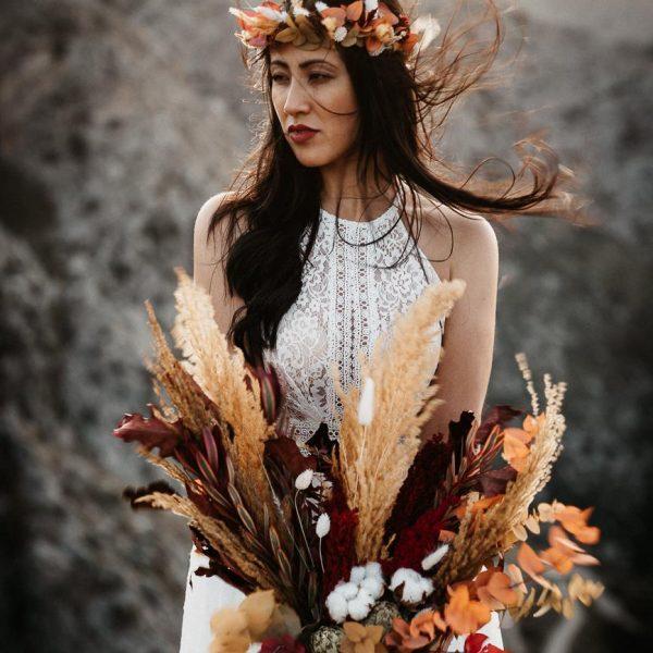 Braut auf einem Felsen, Sarah Russ