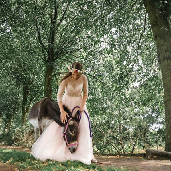 Amina mit Esel, Victor Gottselig